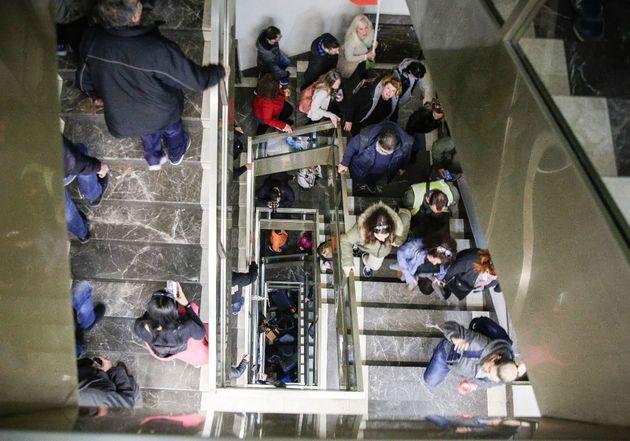 Εισβολή εργαζομένων της ΠΟΕ-ΟΤΑ στο υπουργείο