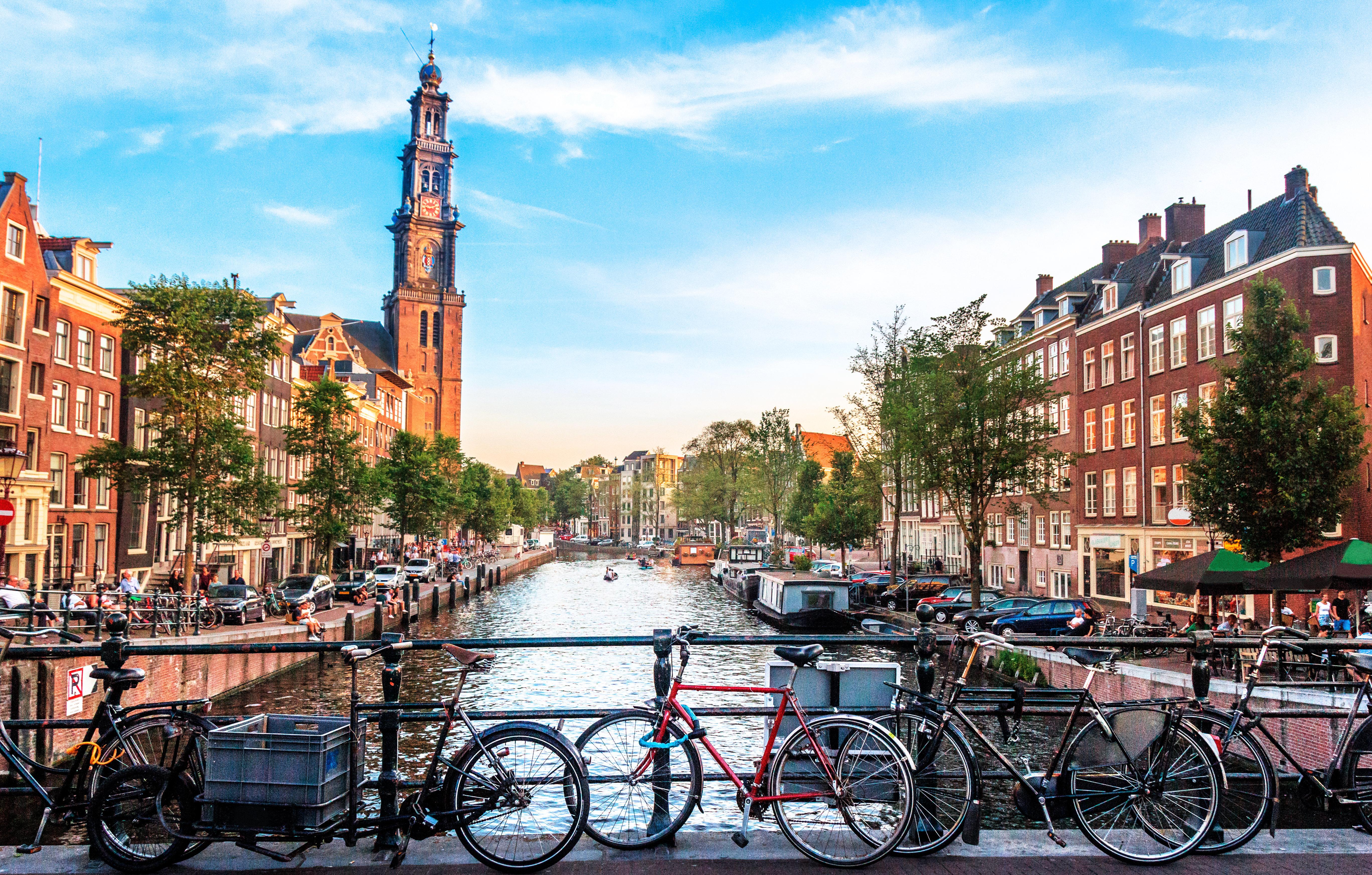 El país que paga a sus habitantes por ir en bici al