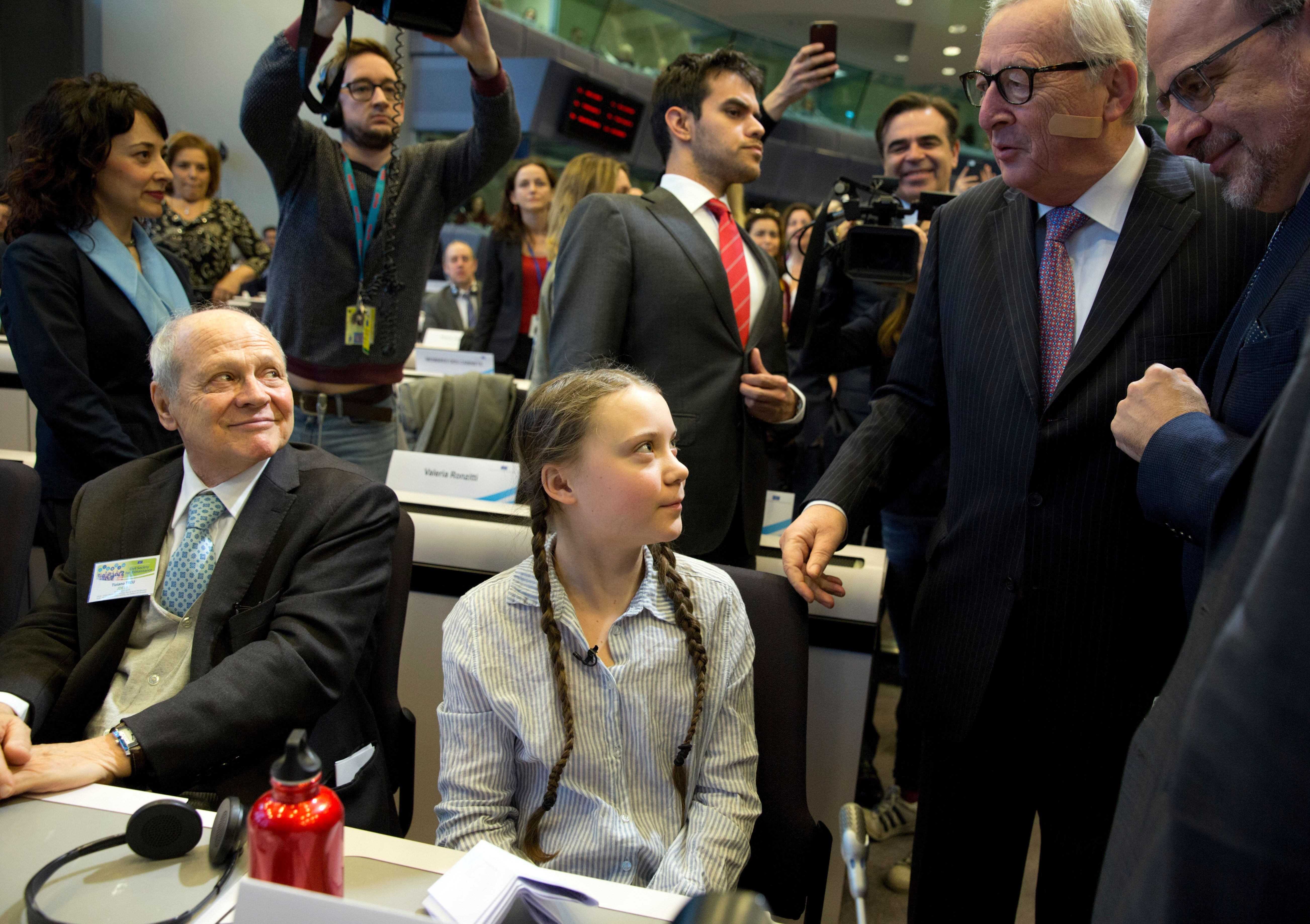 Γιούνκερ: «Εκατοντάδες δισεκατομμύρια» ευρώ από την ΕΕ για την κλιματική