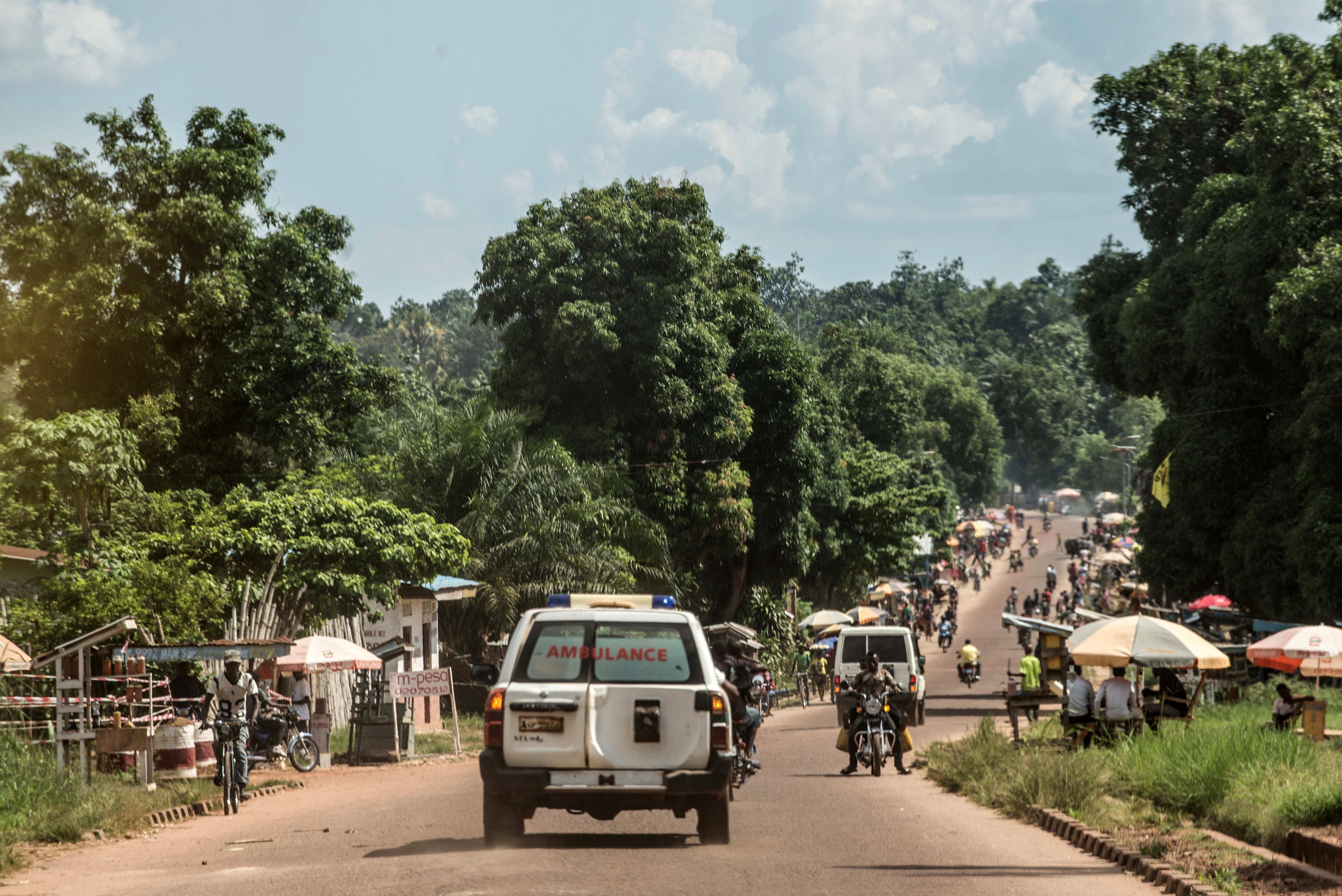 ΛΔ Κονγκό: Τουλάχιστον 18 νεκροί σε σύγκρουση βυτιοφόρου με οξύ με λεωφορείο