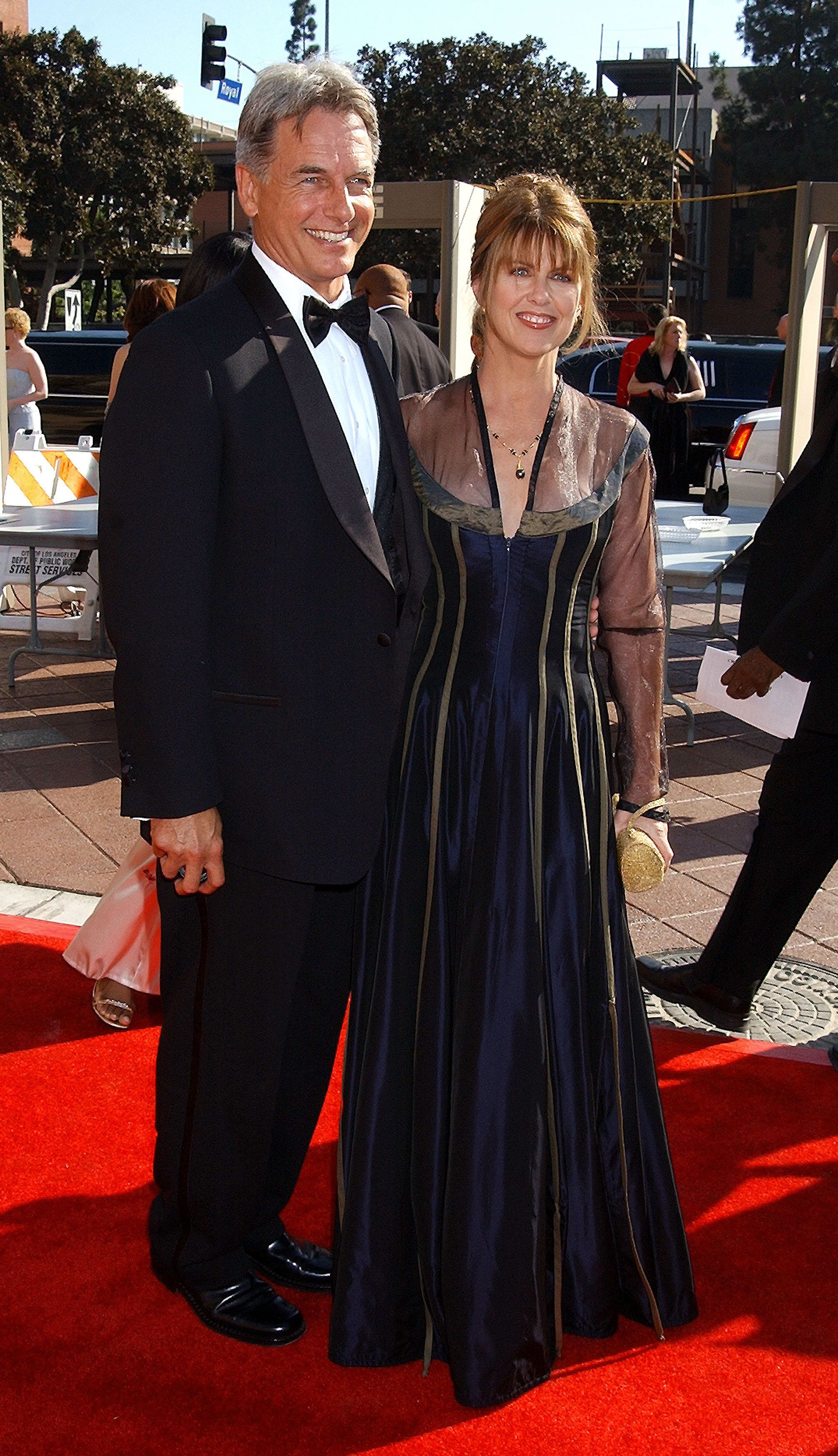 Mark Harmon & Pam Dawber during 2002 Creative Arts Emmy Awards - Arrivals at Shrine Auditorium in Los Angeles, California, United States. (Photo by Gregg DeGuire/WireImage)