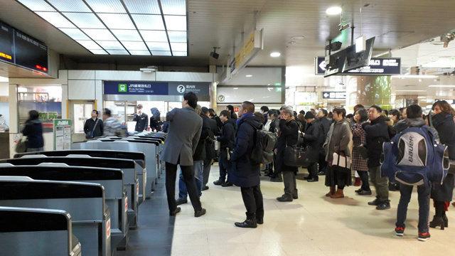 北海道地震の夜、札幌で帰宅困難者あふれる 零下の寒さの中