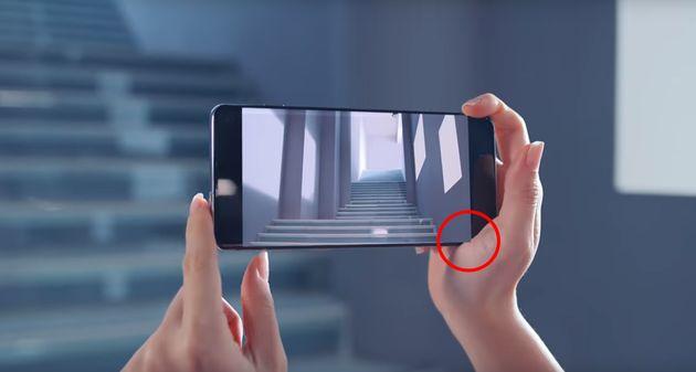 갤럭시의 손 떨림 방지 광고 영상에는 작은 참사가