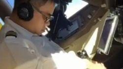 Πιλότος κοιμάται εν πτήσει στο κόκπιτ ενός Boeing 747!