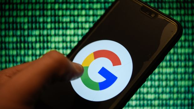 KRAKOW, POLAND - 2018/12/18: Google logo is seen on an android mobile phone. (Photo by Omar Marques/SOPA Images/LightRocket via Getty Images)