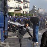 Des dizaines de milliers de manifestants déferlent dans les rues