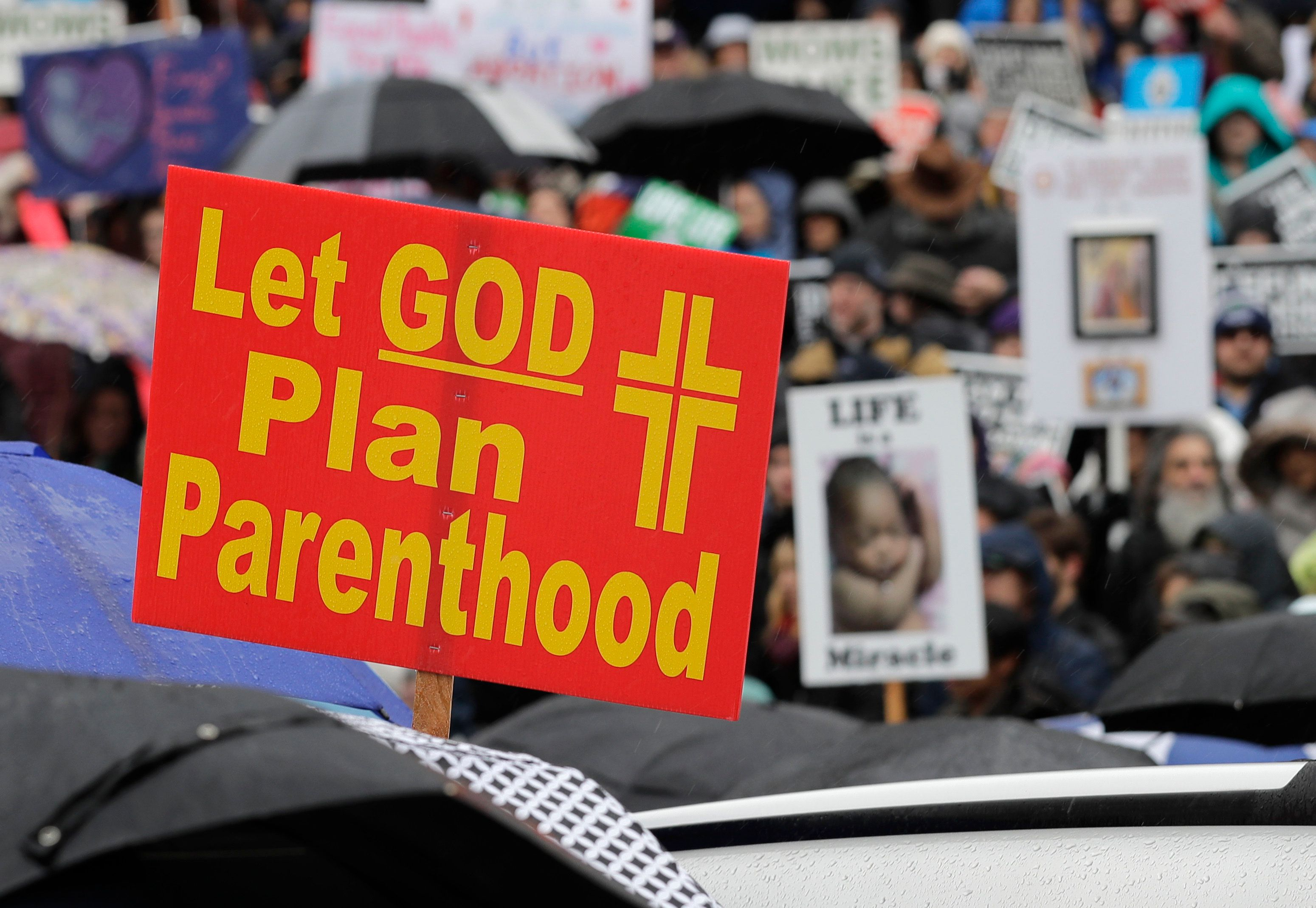 New Trump Policy Prohibits Abortion Referrals at Family Planning Clinics