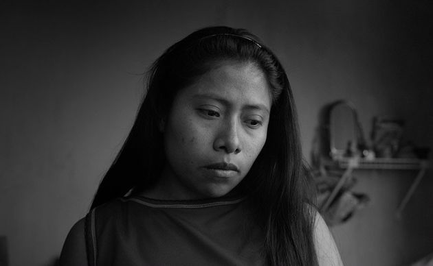 Yalitza Aparicio é a empregada doméstica Cleo no drama mexicano