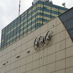NHK組織再編で波紋、批判相次ぐ