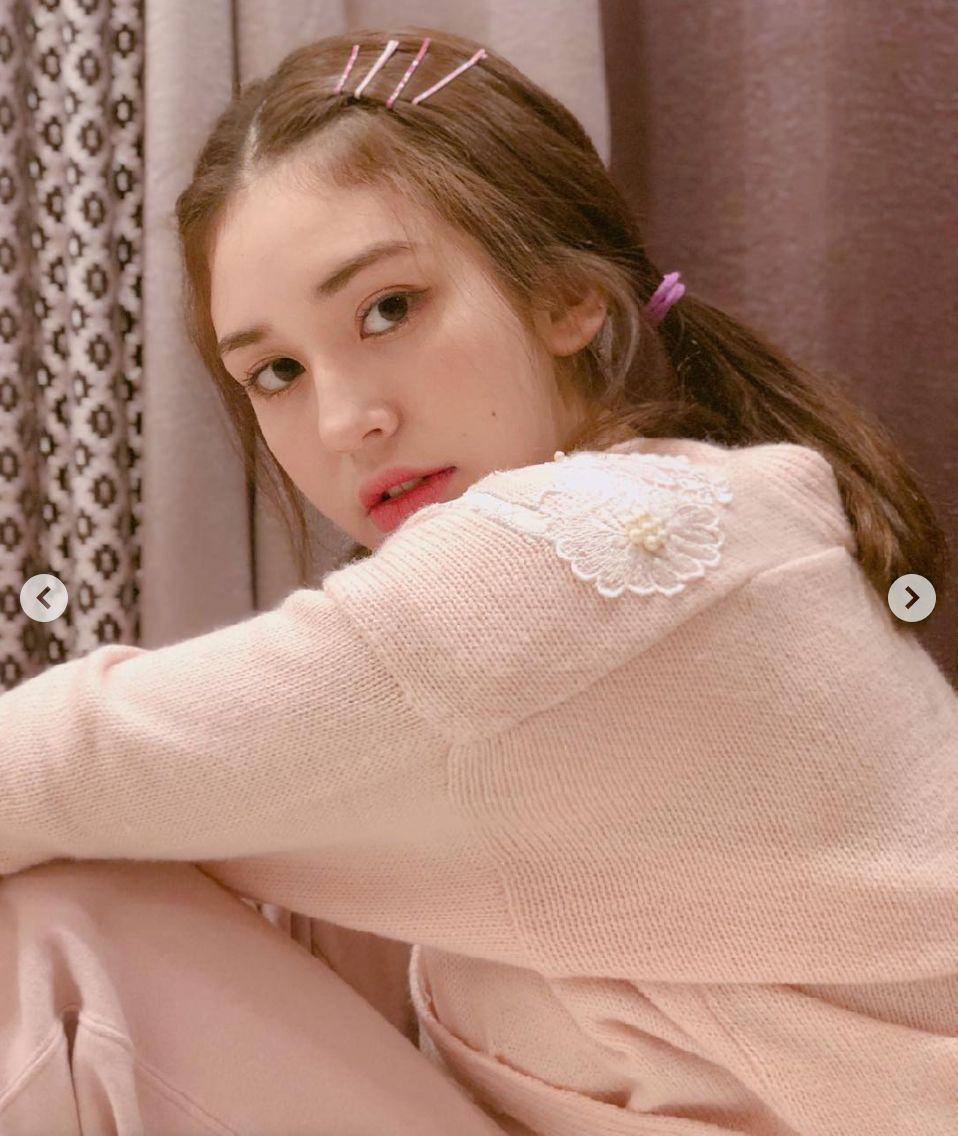 아이오아이 출신 전소미가 오는 5월 솔로 가수로