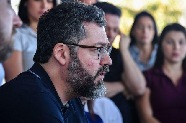 Ministro das Relações Exteriores, Ernesto Araújo, está em Pacaraima, na fronteira...