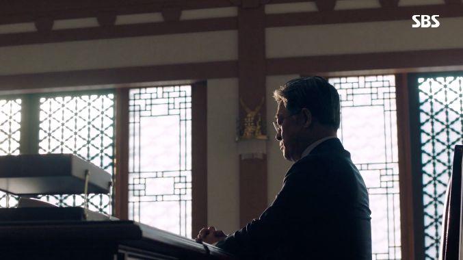 SBS 드라마 '열혈사제'에 갑자기 나타난 한 인물의 모습이 모두를 깜짝 놀라게