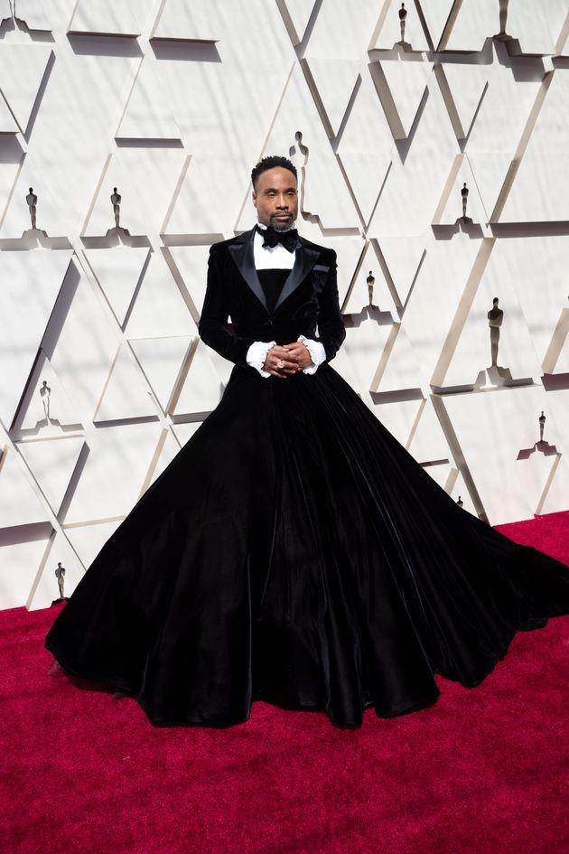 Billy Porter Slays Oscars 2019 Red Carpet With Velvet Tuxedo Dress |  HuffPost