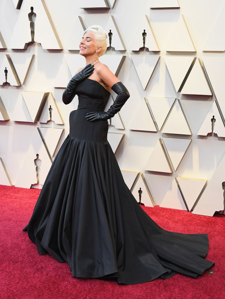 Gaga channeled old Hollywood galmour on the Oscars red carpet.
