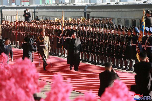베트남 하노이에서 열릴 제2차 북미정상회담 참석을 위해 평양에서 출발할 때의