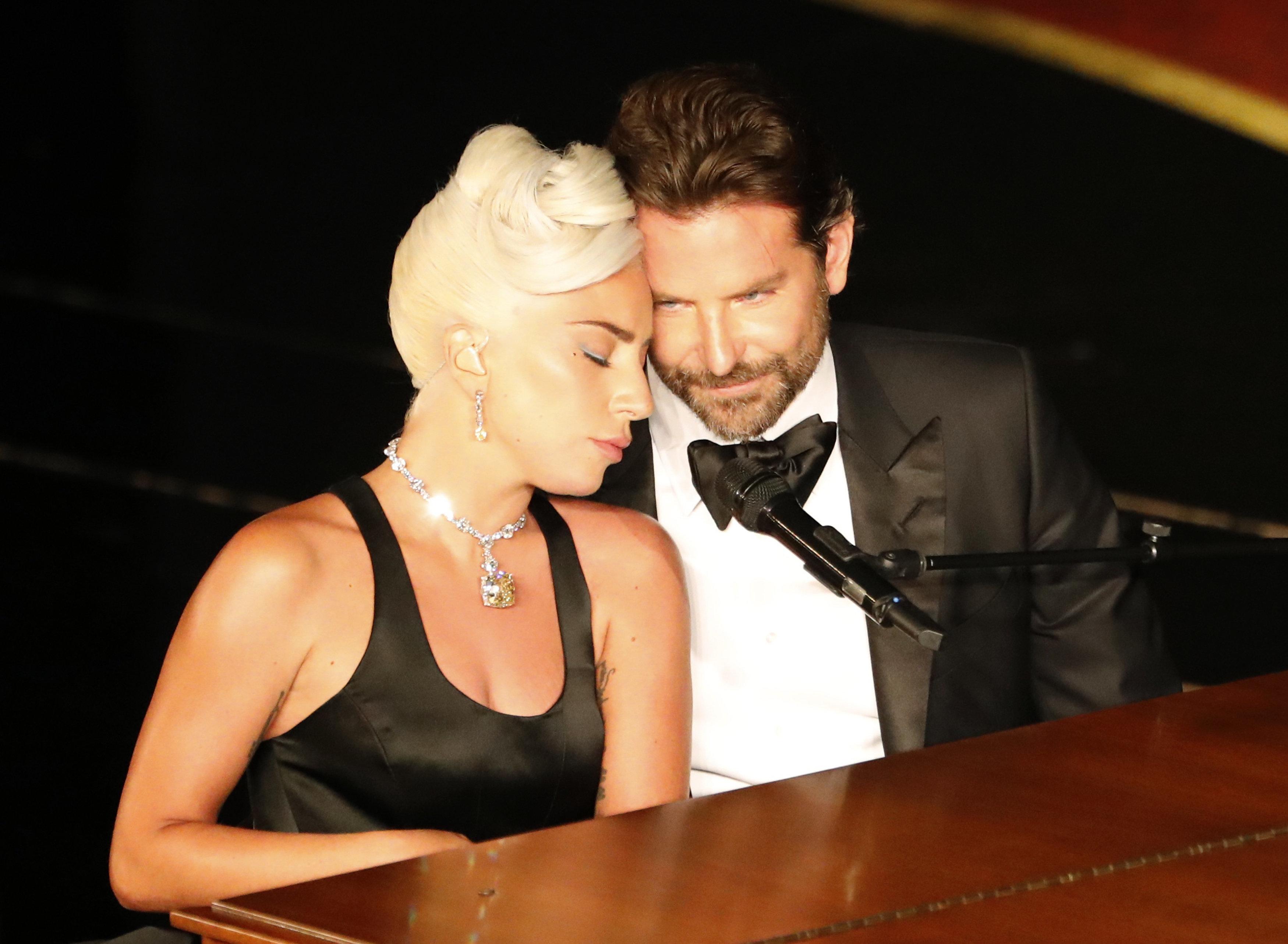 'Shallow' vence o Oscar e Lady Gaga e Bradley Cooper arrebatam nosso