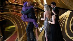Spike Lee reçoit le premier Oscar de sa carrière des mains de Samuel L.