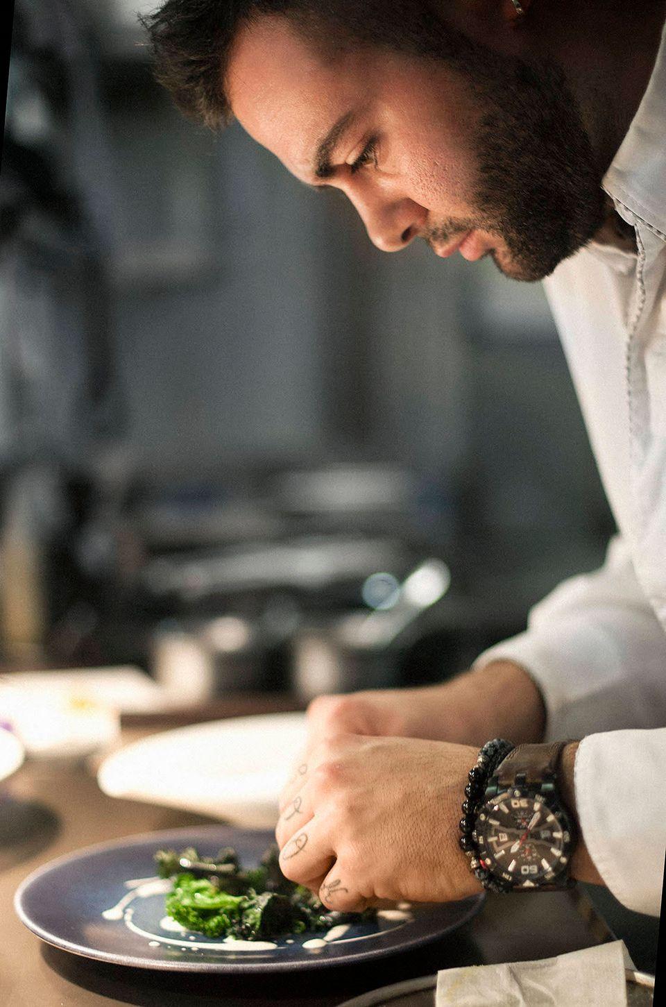 Ασημάκης Χανιώτης - Ο νεότερος σεφ που κερδίζει αστέρι Michelin στον