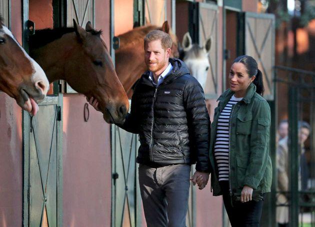 Die schwangere Herzogin Meghan mit Ehemann Prinz