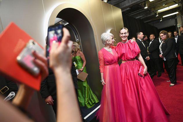 Οι κυρίες με τα ροζ....