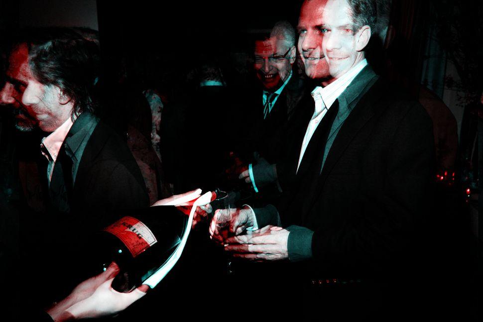 Mike Offit (links im Bild) bei einer Hoteleröffnung in New York City im Jahr 2007. Der Finanzexperte...