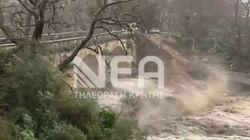 Αποκλεισμένος ο νομός Χανίων: Κατέρρευσε η γέφυρα του Κερίτη και τμήμα αυτής του