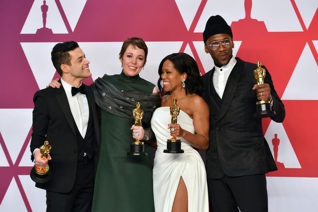 Oscar winners in the actor and actress categories pose on Sunday