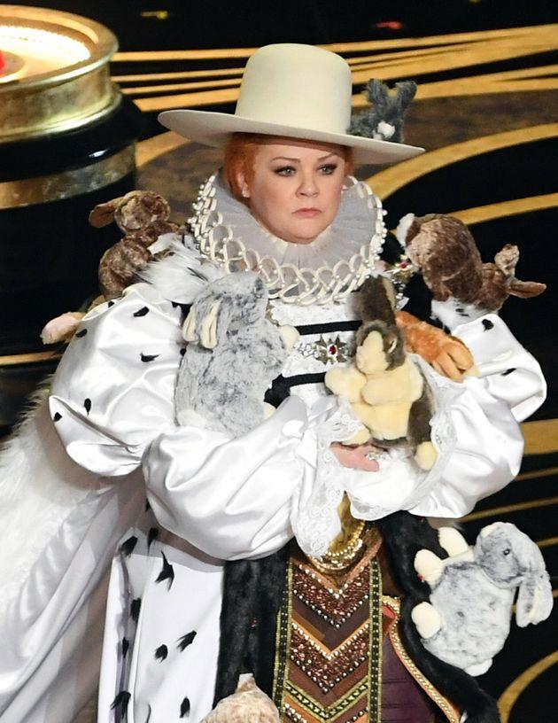 Οσκαρ: Όταν η Μελίσα Μακάρθι ντύθηκε βασίλισσα Άννα από την