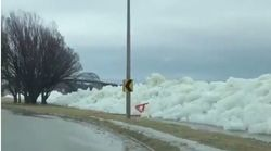 ΗΠΑ: Εντυπωσιακό τσουνάμι πάγου στον ποταμό