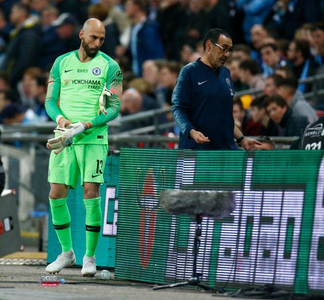 '교체 지시 거부' 첼시 골키퍼 케파가 결국 징계를