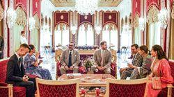 Le roi Mohammed VI offre une cérémonie de thé en l'honneur du prince Harry et Meghan Markle