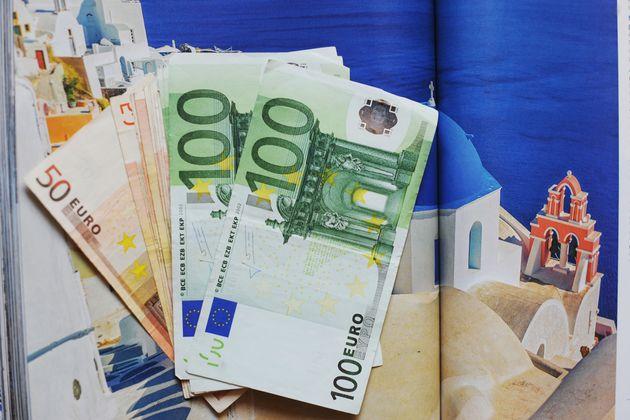 CEP: Η Ελλάδα μεταξύ των κερδισμένων από το ευρώ (ως το