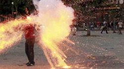 Manifestante que deu rojão a suspeito se apresenta à polícia no
