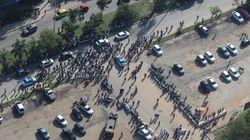 Operários do Parque Olímpico protestam por aumento de salário no
