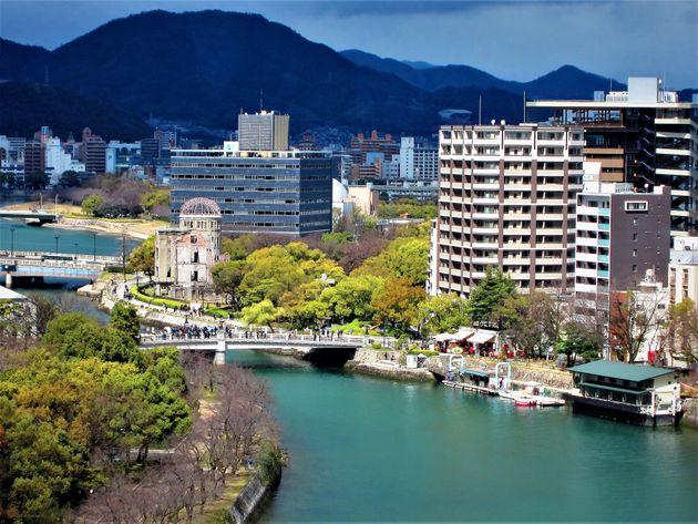 広島市は水の都と称され、中国・四国地方で最大規模の都市でもある