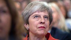H Μέι προσπάθησε να παίξει μπιλιάρδο με τον Ιταλό πρωθυπουργό (αλλά οι Βρετανοί δεν το