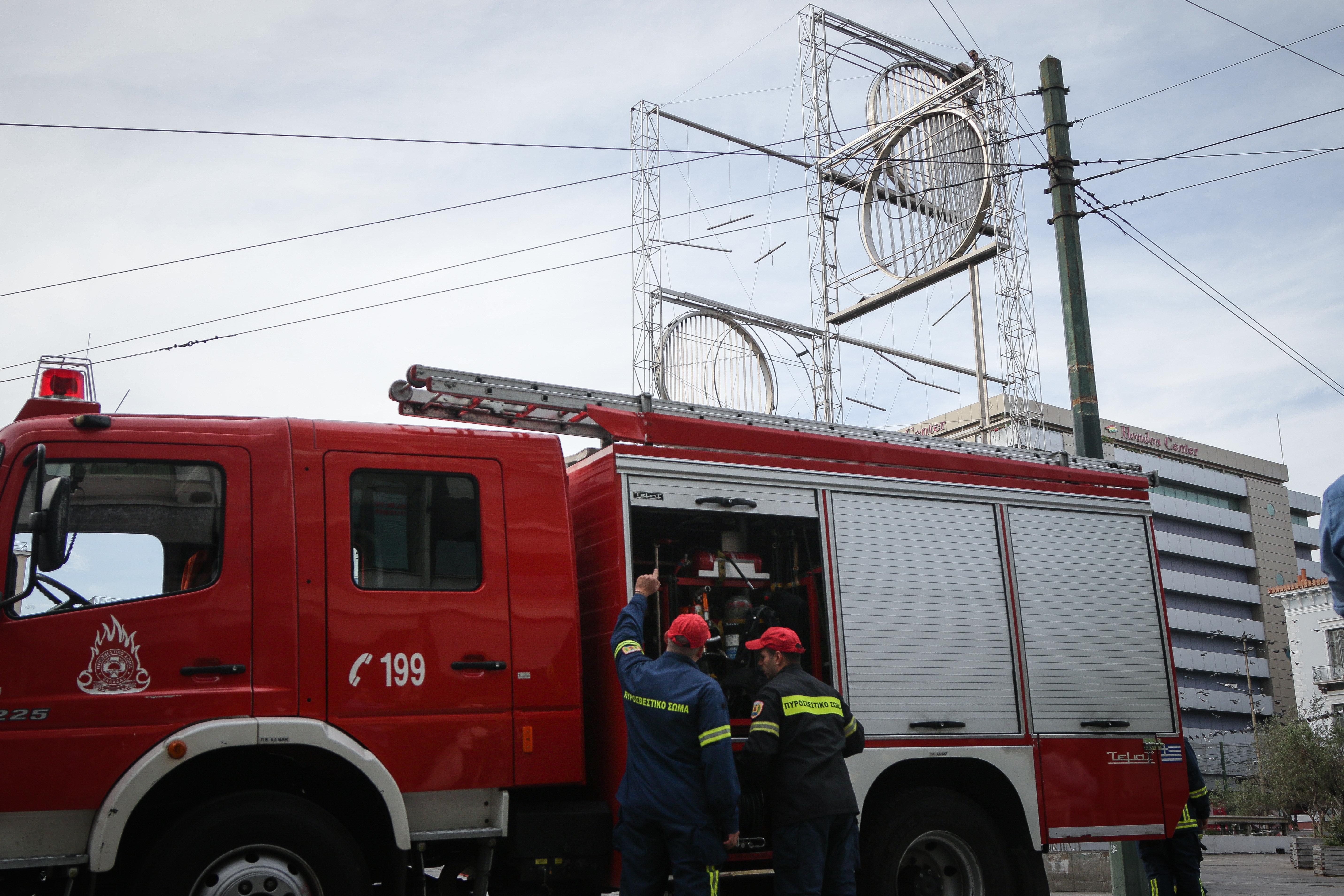 Θεσσαλονίκη: Οδηγός απανθρακώθηκε όταν το αυτοκίνητό του έπιασε φωτιά στον