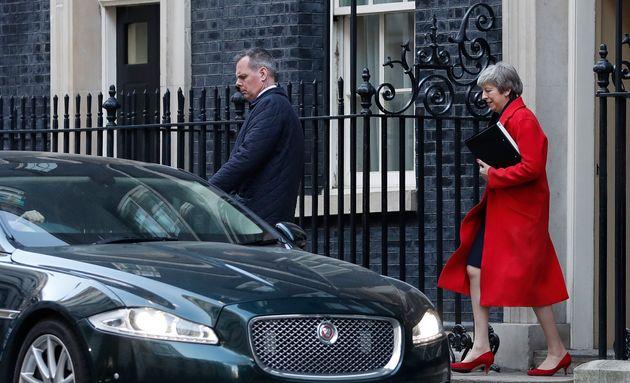 Μέι: Ψηφοφορία για παράταση του Άρθρου 50 αν η Βουλή απορρίψει το Brexit χωρίς
