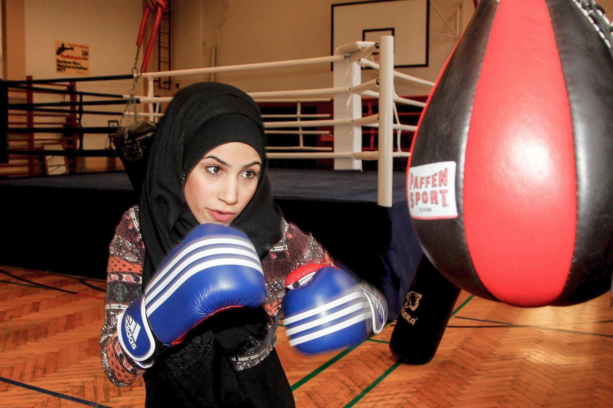 Zeina Nassar ist dreifache Berliner Meisterin im Frauenboxen. Dafür musste sie sich nicht nur gegen ihre Gegnerinnen durchsetzen.
