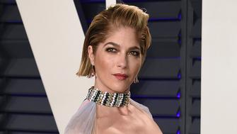 Selma Blair arrives at the Vanity Fair Oscar Party on Sunday, Feb. 24, 2019, in Beverly Hills, Calif. (Photo by Evan Agostini/Invision/AP)