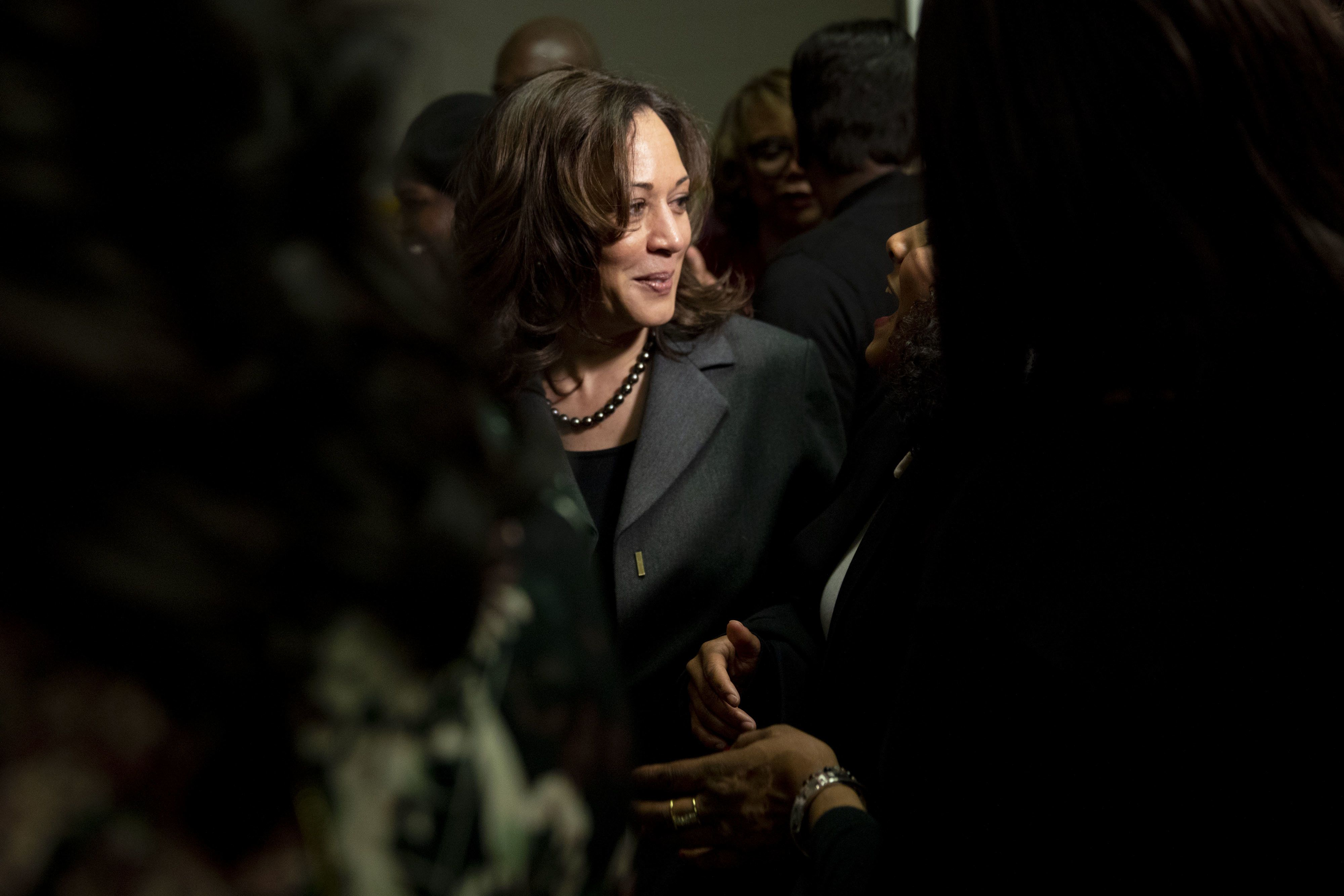 Senator Kamala Harris, a Democrat from California and 2020 presidential candidate, center, greets attendees during a campaign stop in Des Moines, Iowa, U.S., on Saturday, Feb. 23, 2019. Harris is one of six women running for the Democratic nomination to become the first female to hold the highest office in the nation. Photographer: Daniel Acker/Bloomberg via Getty Images