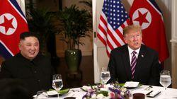 트럼프와 김정은이 친교 만찬장에서 공개한