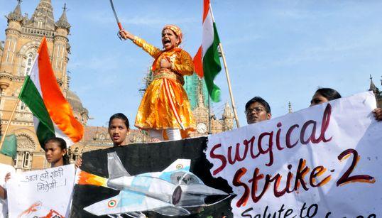 Ινδία - Πακιστάν. Μια κρίση από το παρελθόν με πολλούς