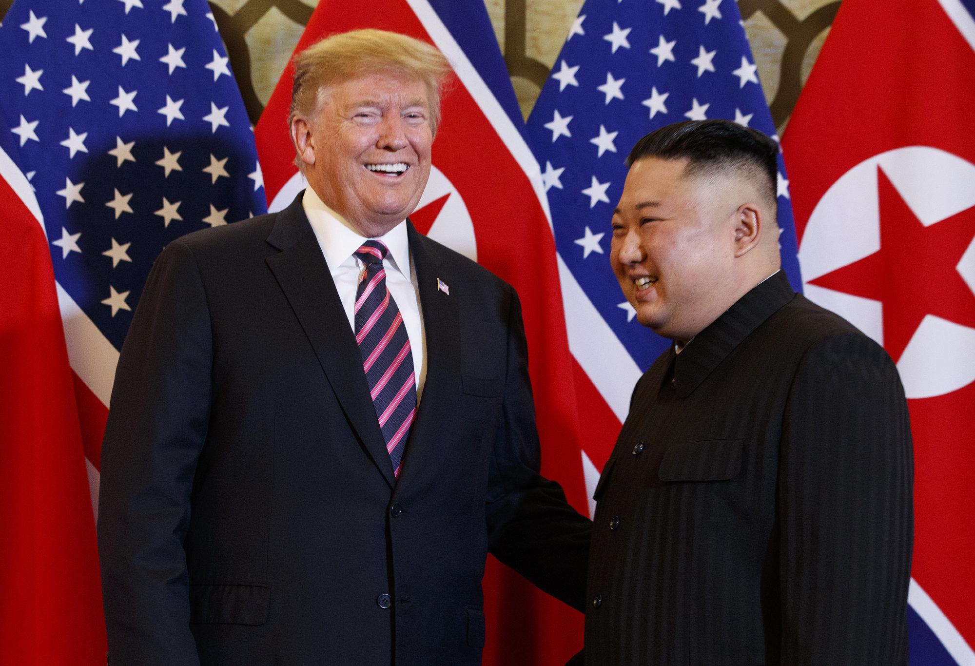 Donald Trump et Kim Jong Un se retrouvent pour leur 2e sommet à