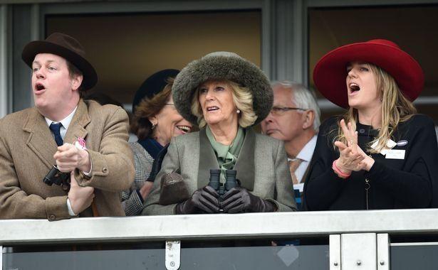 Laura Lopes (rechts) mit ihrer Mutter Herzogin Camilla.