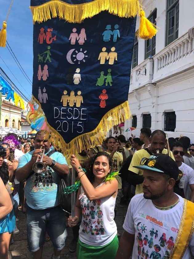 O bloco realiza ações sociais ao longo do ano e conta com o apoio do grupo Mães...