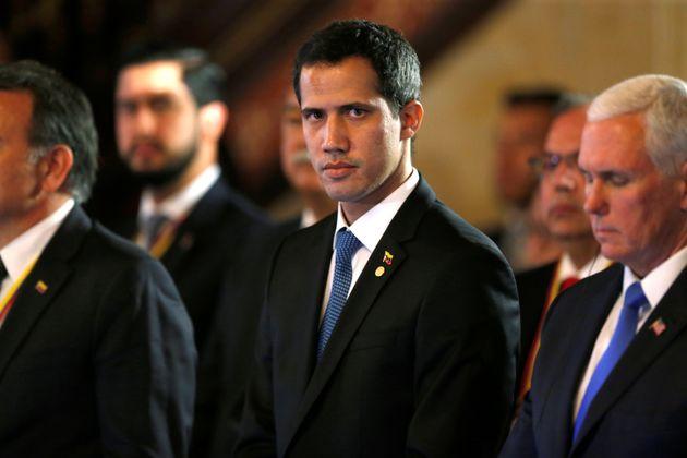 O líder opositor Juan Guaidó, reconhecido por 50 países como presidente interino...