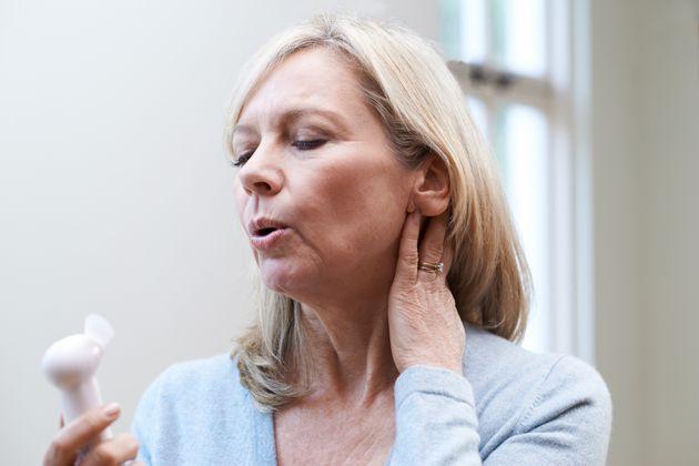 Sintomas da menopausa começam antes do fim da
