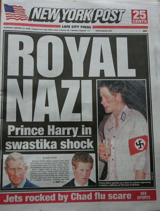 Mehrere Zeitungen berichteten damals über Prinz Harry, der sich mit Hakenkreuz