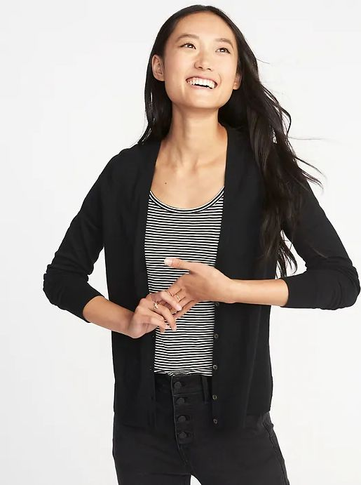 9a62414c7e79bd 20 V-Neck Cardigans That Look Just As Cute As Tops | HuffPost Life